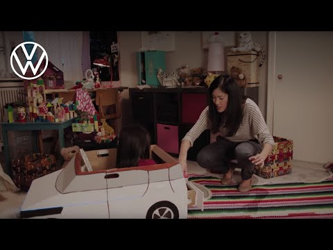 The concept car BUDD-e with delivery acceptance option �dropbox�.